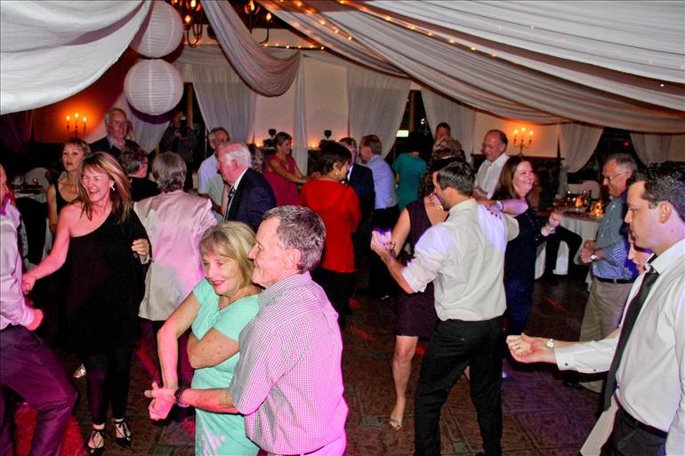 wedding-dj--in-durban-kzn-dj-jarryd-sunkel-professional-events-mc (20)
